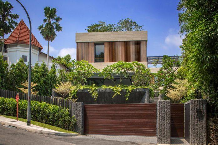 secret-garden-house-luxurious-tropical-contemporary-family-home-singapore-01