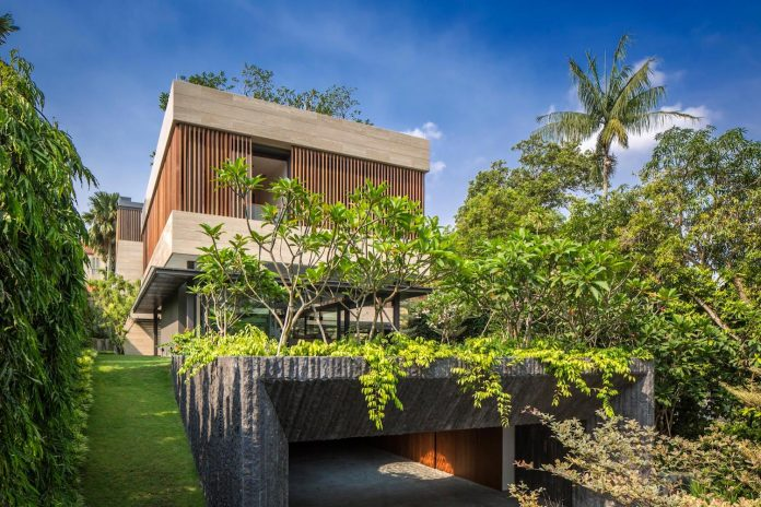 secret-garden-house-luxurious-tropical-contemporary-family-home-singapore-03