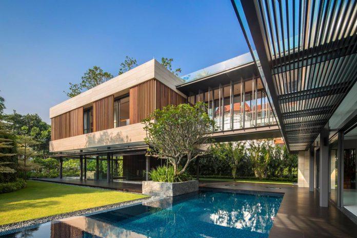 secret-garden-house-luxurious-tropical-contemporary-family-home-singapore-04