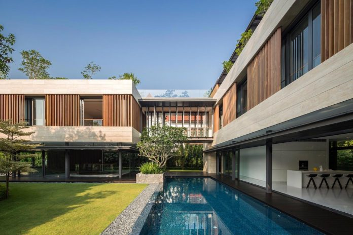 secret-garden-house-luxurious-tropical-contemporary-family-home-singapore-05