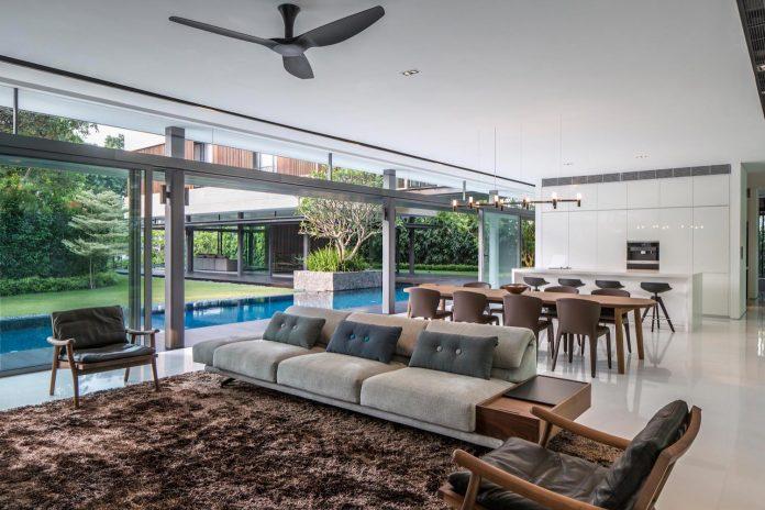 secret-garden-house-luxurious-tropical-contemporary-family-home-singapore-19