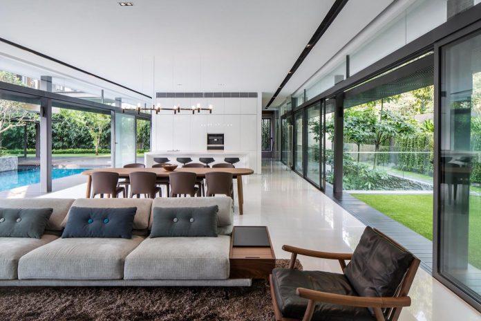 secret-garden-house-luxurious-tropical-contemporary-family-home-singapore-20
