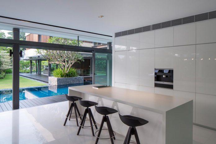 secret-garden-house-luxurious-tropical-contemporary-family-home-singapore-21