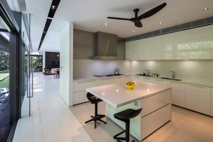 secret-garden-house-luxurious-tropical-contemporary-family-home-singapore-22