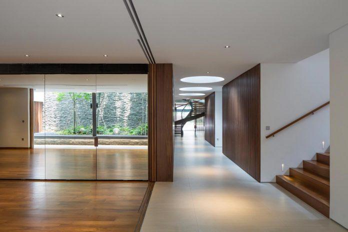 secret-garden-house-luxurious-tropical-contemporary-family-home-singapore-24