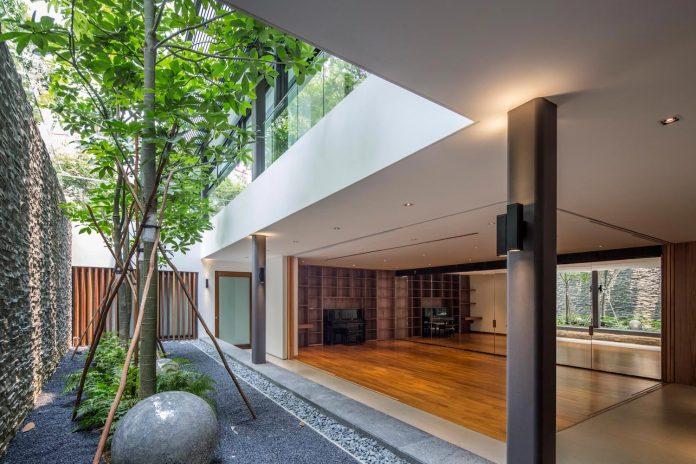secret-garden-house-luxurious-tropical-contemporary-family-home-singapore-25