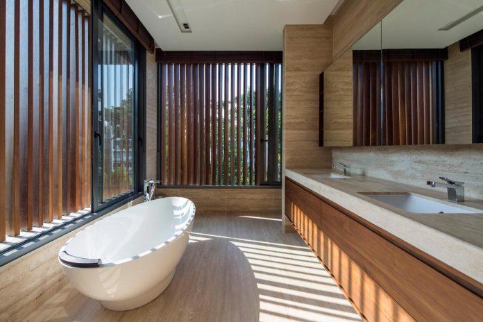 secret-garden-house-luxurious-tropical-contemporary-family-home-singapore-29