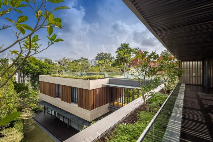 secret-garden-house-luxurious-tropical-contemporary-family-home-singapore-30