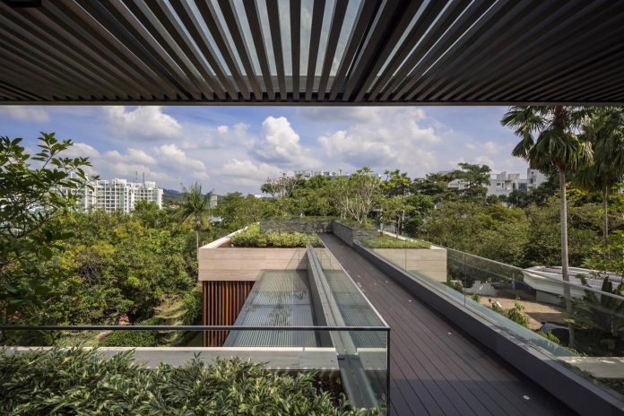 secret-garden-house-luxurious-tropical-contemporary-family-home-singapore-31