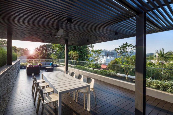 secret-garden-house-luxurious-tropical-contemporary-family-home-singapore-32