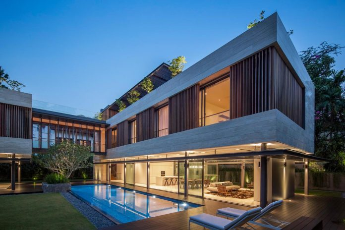 secret-garden-house-luxurious-tropical-contemporary-family-home-singapore-34