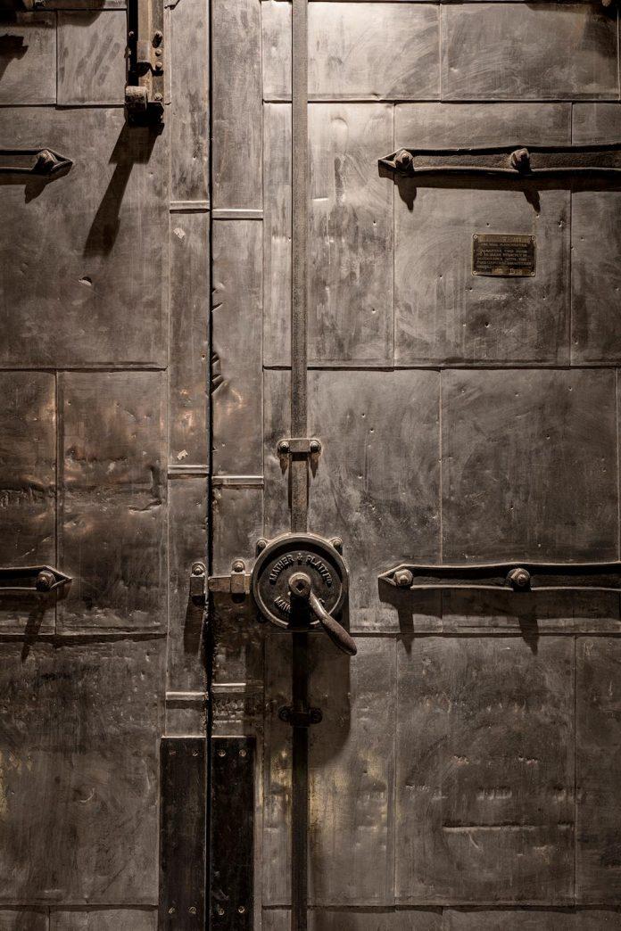 shoe-factory-warehouse-space-gets-modern-industrial-look-clerkenwell-london-14