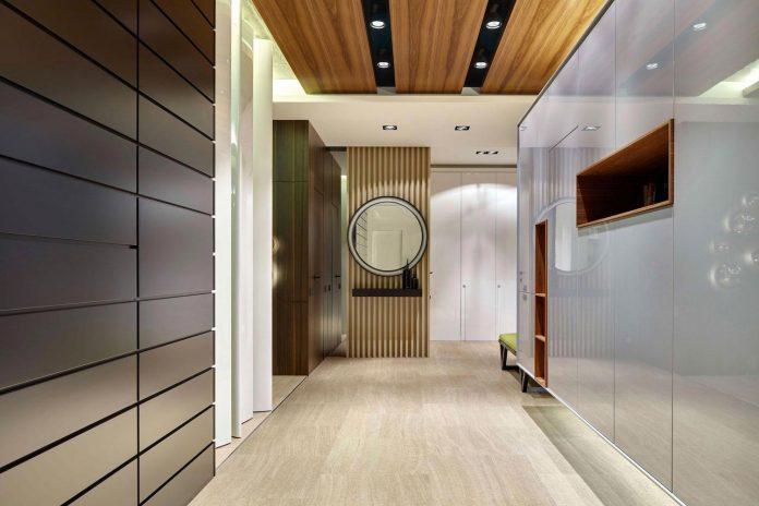 simple-shapes-create-asymmetrical-time-balanced-composition-interior-posteriori-apartment-01