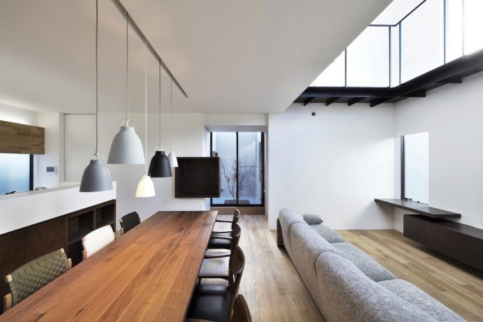 single-family-house-located-tokyo-built-severe-restrictions-space-land-height-12