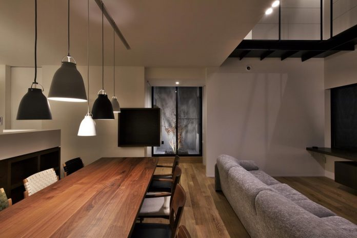 single-family-house-located-tokyo-built-severe-restrictions-space-land-height-21