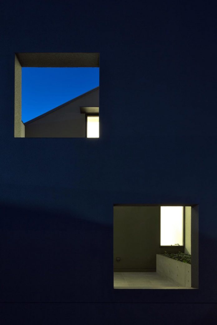 single-family-house-located-tokyo-built-severe-restrictions-space-land-height-26