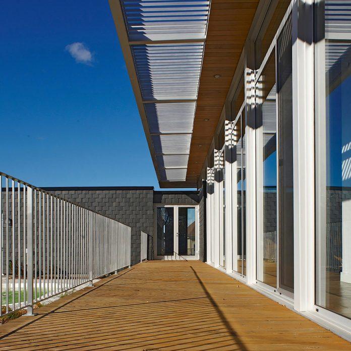slate-house-conceived-situ-installation-reveals-pre-existing-landscape-07