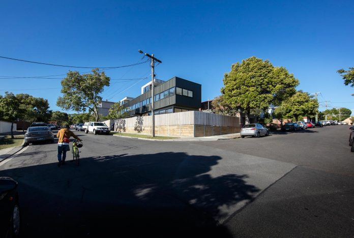 st-kilda-east-townhouses-includes-two-typical-dwellings-three-family-generations-02