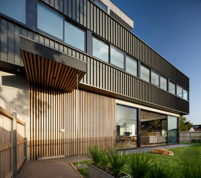 st-kilda-east-townhouses-includes-two-typical-dwellings-three-family-generations-04