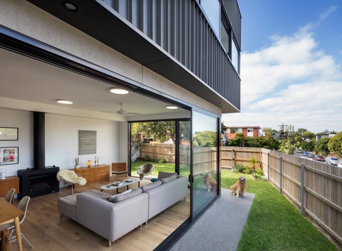 st-kilda-east-townhouses-includes-two-typical-dwellings-three-family-generations-05