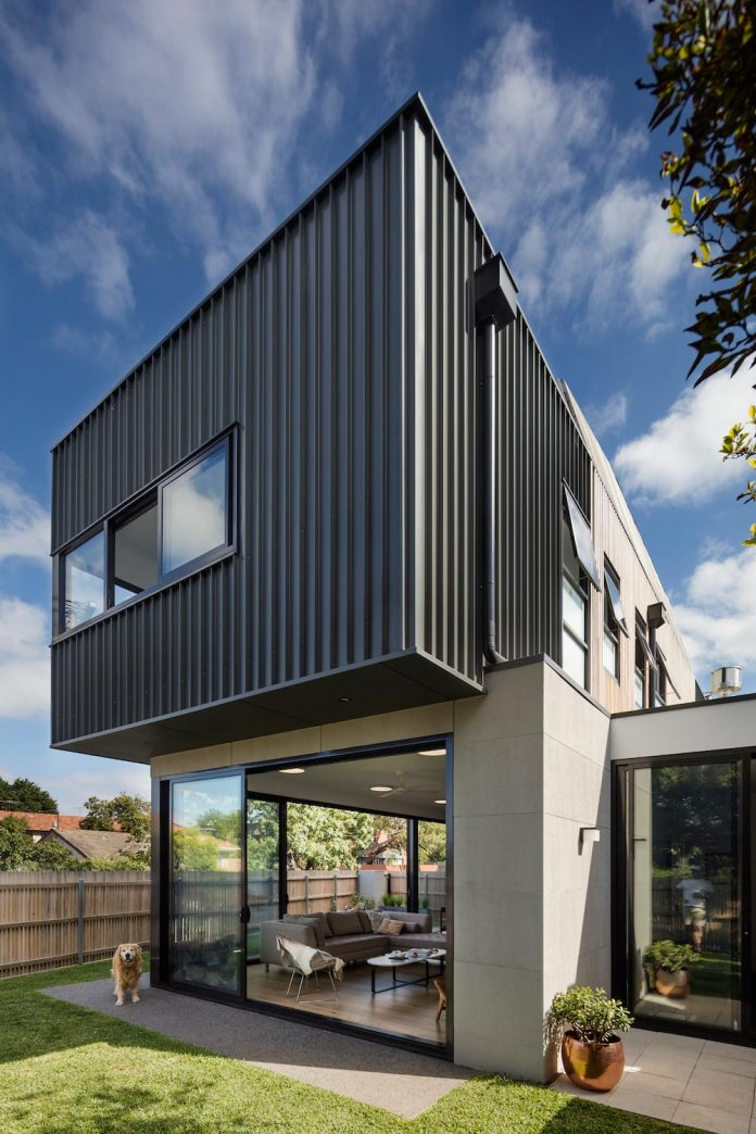 st-kilda-east-townhouses-includes-two-typical-dwellings-three-family-generations-06