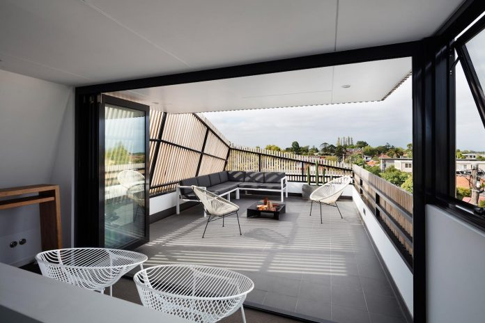 st-kilda-east-townhouses-includes-two-typical-dwellings-three-family-generations-15
