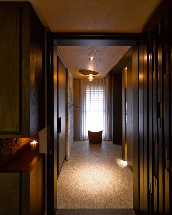steel-structures-l-shape-sliding-glass-doors-modern-features-define-taipei-city-apartment-02