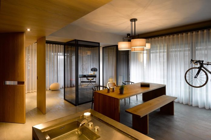 steel-structures-l-shape-sliding-glass-doors-modern-features-define-taipei-city-apartment-10