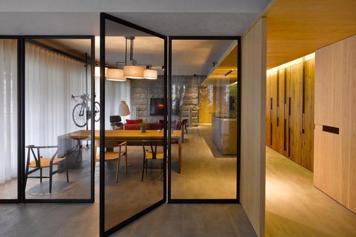 steel-structures-l-shape-sliding-glass-doors-modern-features-define-taipei-city-apartment-16