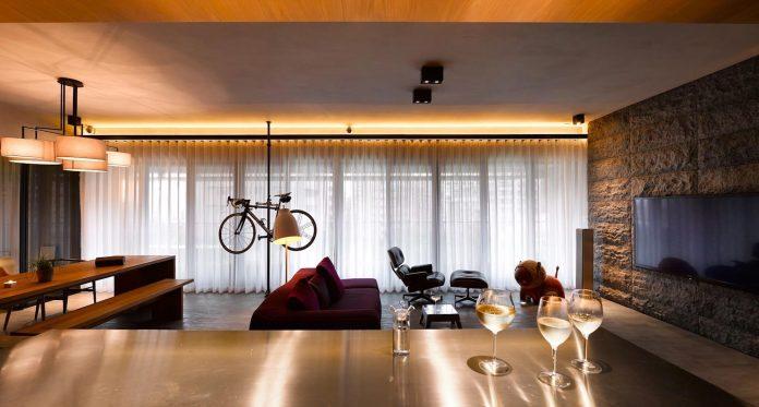 steel-structures-l-shape-sliding-glass-doors-modern-features-define-taipei-city-apartment-18