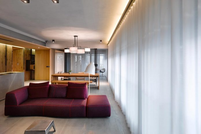 steel-structures-l-shape-sliding-glass-doors-modern-features-define-taipei-city-apartment-19