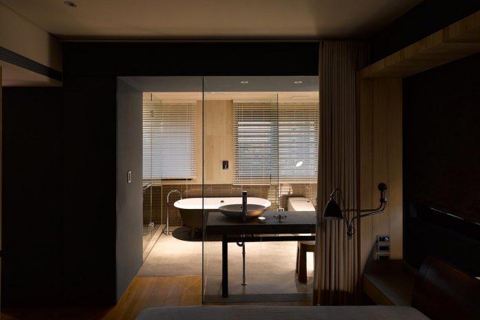 steel-structures-l-shape-sliding-glass-doors-modern-features-define-taipei-city-apartment-20