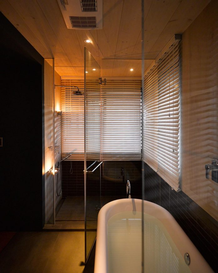 steel-structures-l-shape-sliding-glass-doors-modern-features-define-taipei-city-apartment-22