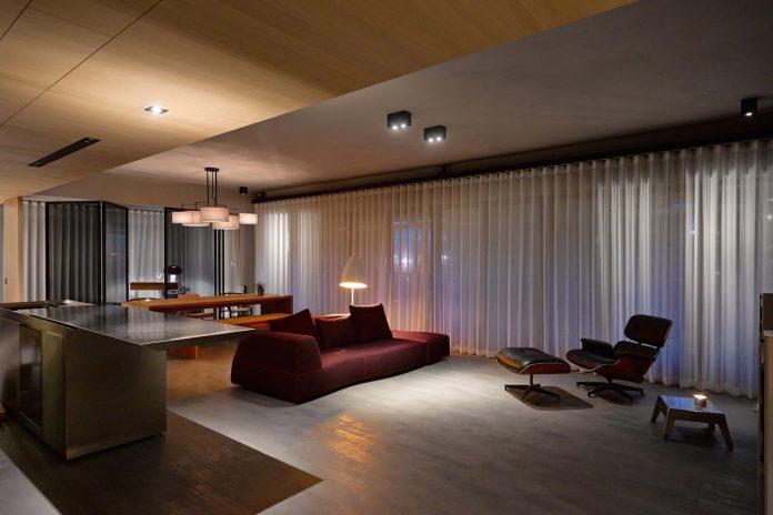 steel-structures-l-shape-sliding-glass-doors-modern-features-define-taipei-city-apartment-27