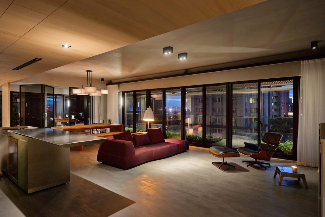 Steel Structures And L Shape Sliding Glass Doors With Other Modern Features Define This Taipei