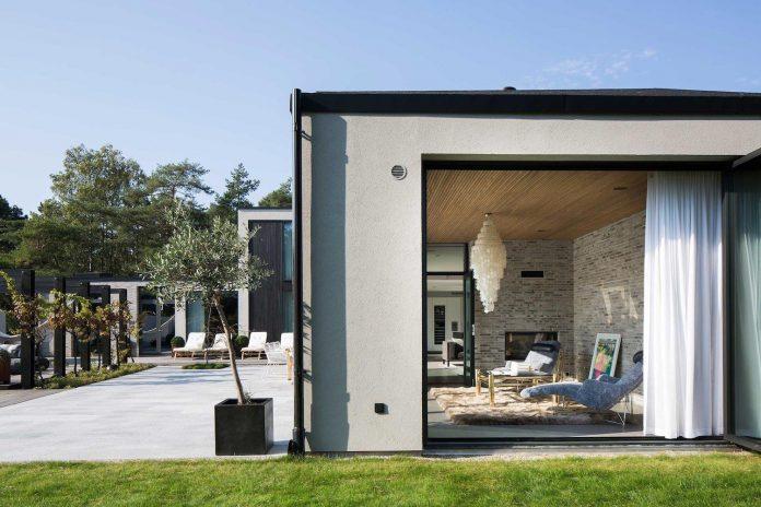stylish-design-generously-sized-residence-located-near-kampinge-04