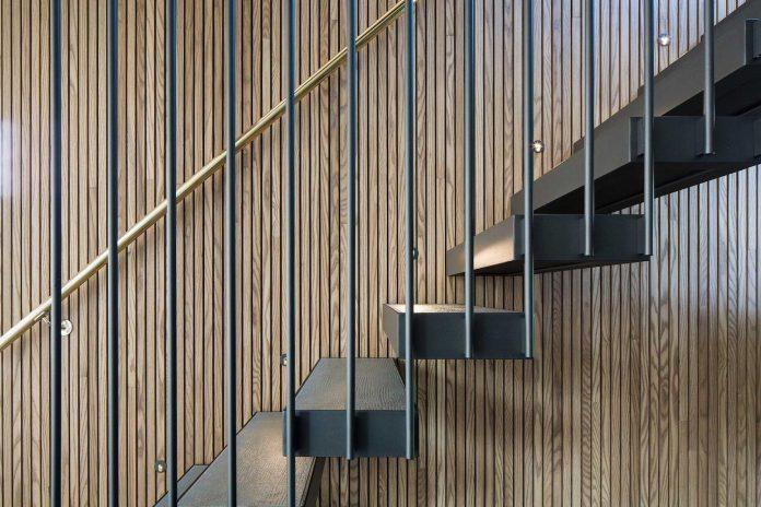 stylish-design-generously-sized-residence-located-near-kampinge-06
