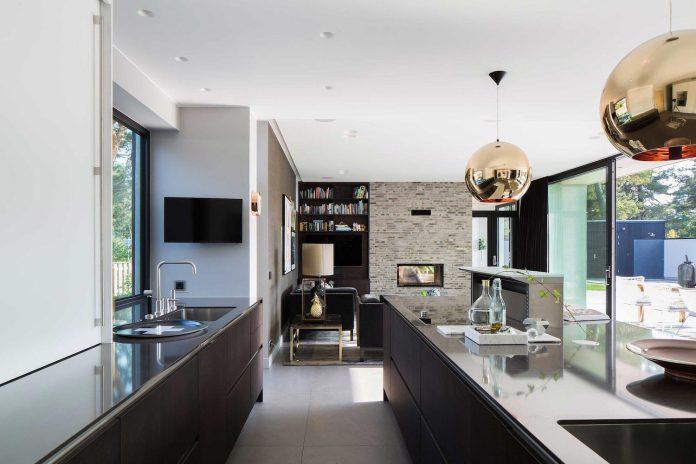 stylish-design-generously-sized-residence-located-near-kampinge-07
