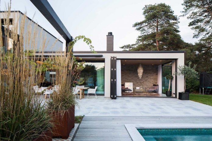 stylish-design-generously-sized-residence-located-near-kampinge-11