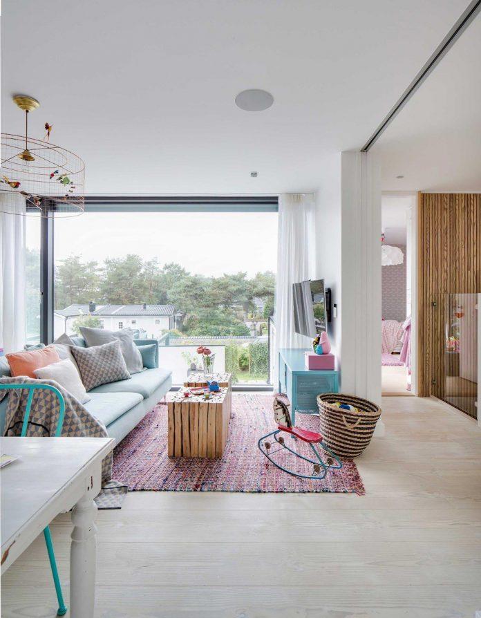 stylish-design-generously-sized-residence-located-near-kampinge-22