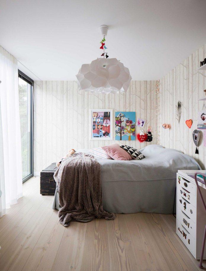 stylish-design-generously-sized-residence-located-near-kampinge-23