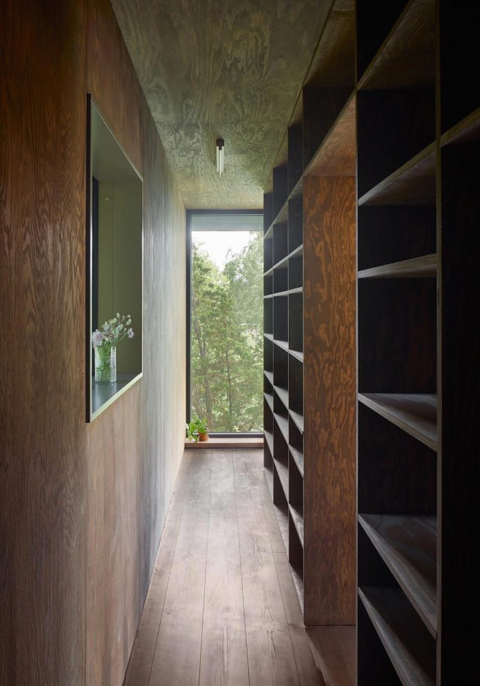 summerhouse-t-small-house-situated-lake-stockholm-archipelago-05