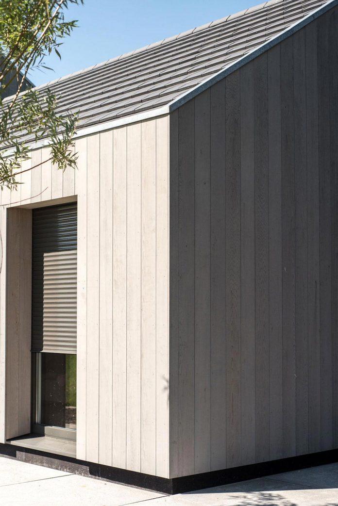 sustainable-luxurious-barnhouse-villa-hindeloopen-located-hindeloopen-netherlands-07