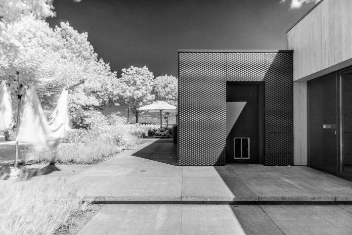 sustainable-luxurious-barnhouse-villa-hindeloopen-located-hindeloopen-netherlands-11