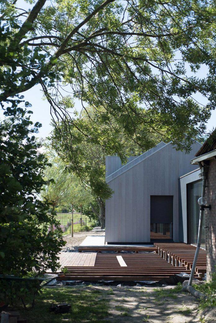 sustainable-luxurious-barnhouse-villa-hindeloopen-located-hindeloopen-netherlands-12