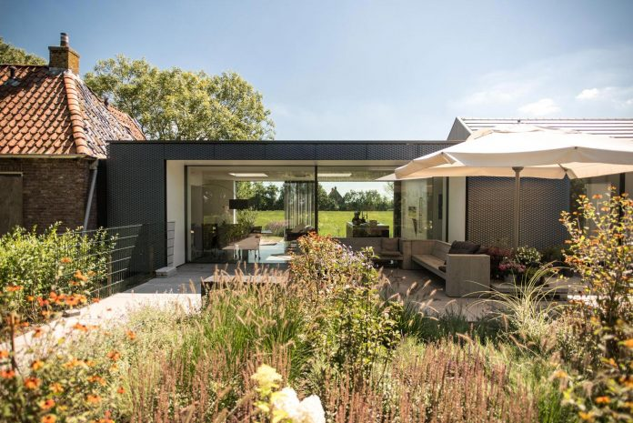 sustainable-luxurious-barnhouse-villa-hindeloopen-located-hindeloopen-netherlands-17