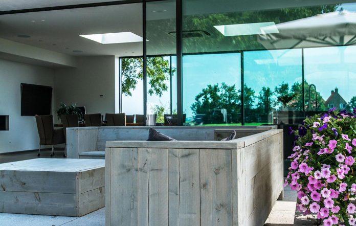sustainable-luxurious-barnhouse-villa-hindeloopen-located-hindeloopen-netherlands-18