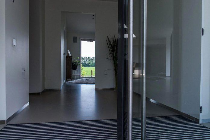 sustainable-luxurious-barnhouse-villa-hindeloopen-located-hindeloopen-netherlands-19