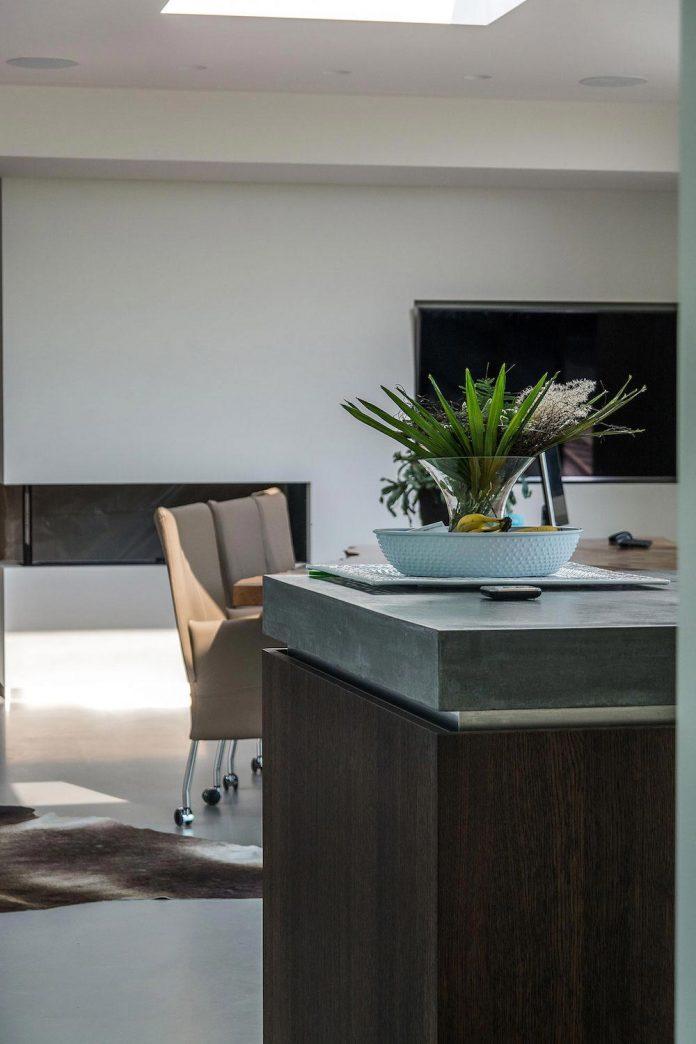 sustainable-luxurious-barnhouse-villa-hindeloopen-located-hindeloopen-netherlands-21