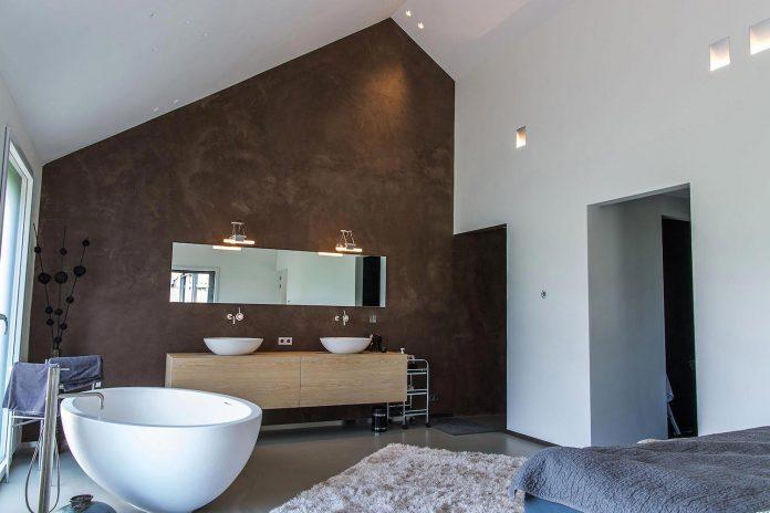 sustainable-luxurious-barnhouse-villa-hindeloopen-located-hindeloopen-netherlands-24